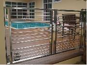 ประตูสระว่ายน้ำบ้านคุณติ๋ว