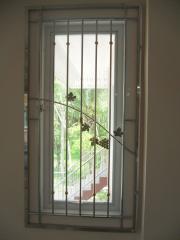 ลูกกรงประตูหน้าต่าง